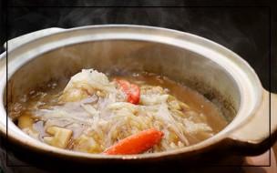 天厨菜館の… 「フカヒレとズワイ蟹の熱々土鍋あんかけご飯」